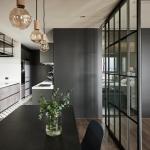 Кухня в черно и бяло