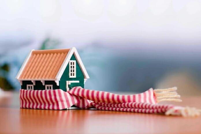 Подготовка на дома за зимата: Как да задържим топлината вътре за по-дълго?