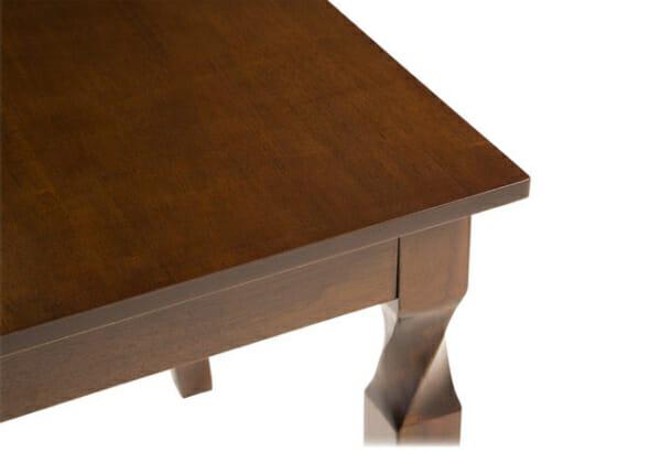 Разтегателна трапезарна маса в цвят меден дъб-снимка отблизо-2