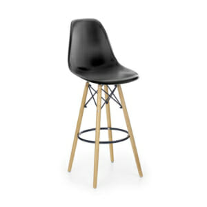 Черен пластмасов бар стол с дървени крака