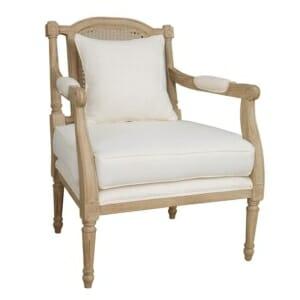 Дървено кресло с мека седалка и възглавничка