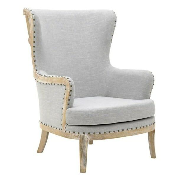 Масивно дървено кресло с висока облегалка