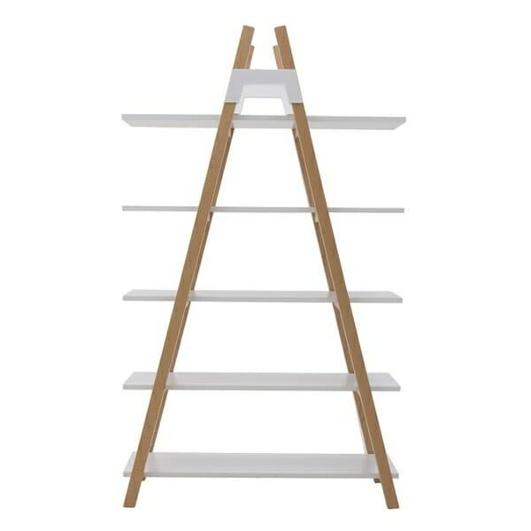 Триъгълна етажерка като стълба в бяло