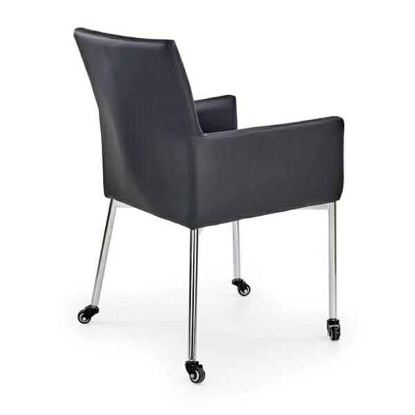 Черен стол от еко кожа на колелца