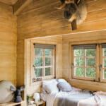 Дървена спалня с единично легло