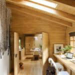Домашен офис в дървена къща