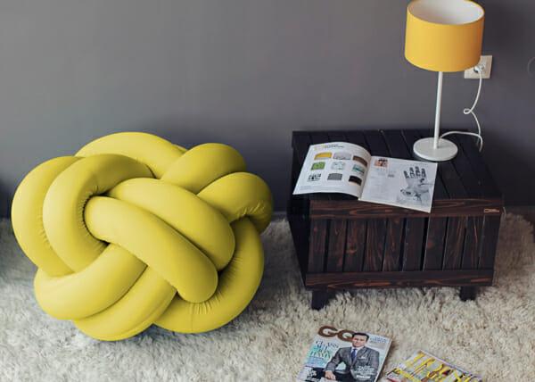 Дизайнерска пуф табуретка-жълта