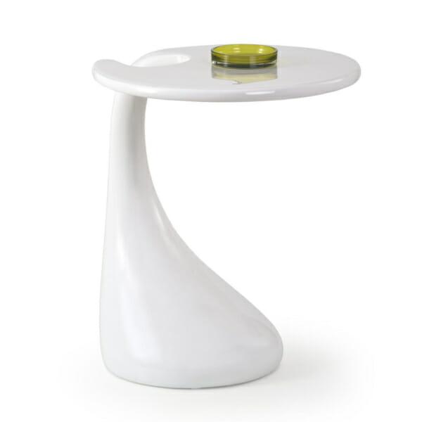 Бяла помощна маса с елегантен и нетрадиционен дизайн