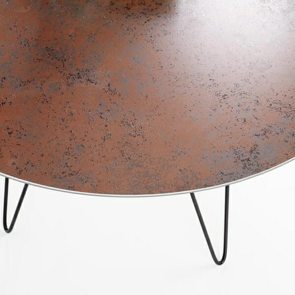 Ефектна холна маса от стъкло и стомана в черно и кафяво
