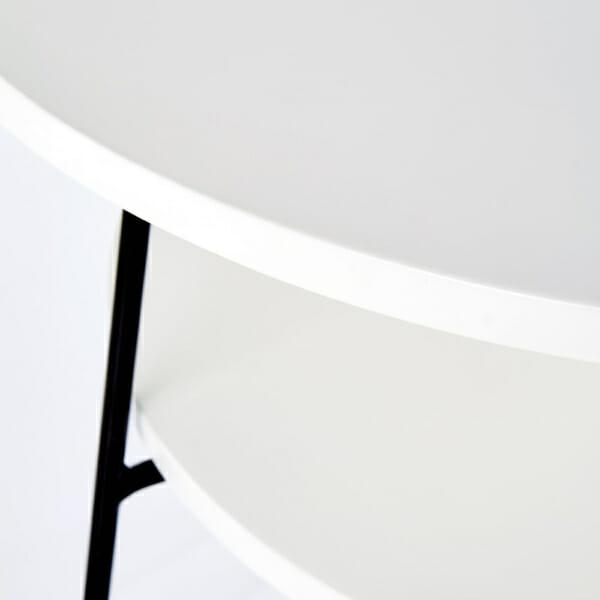 Кръгла холна маса в бяло oтблизо