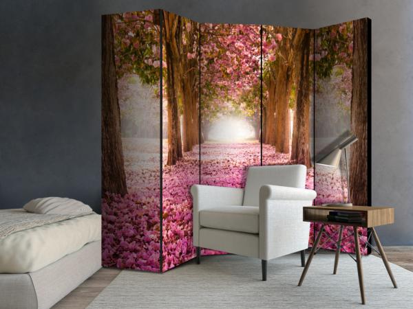 Двустранен параван с път между дървета и розови цветчета - 5-крилен