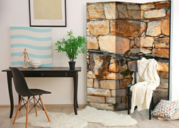 Двулицев параван имитиращ стена от тухли и камъни