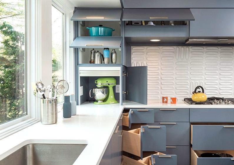 Ъглова кухня с много място за съхранение