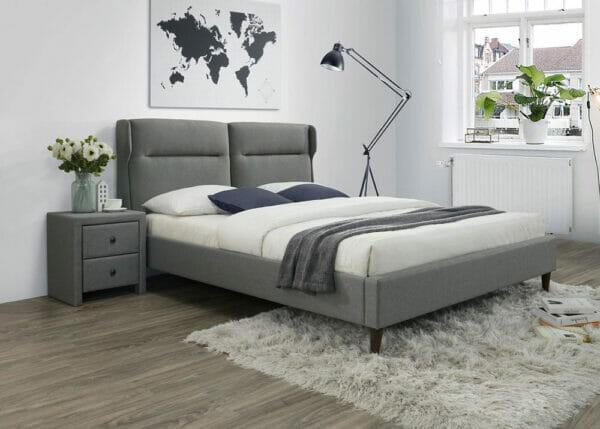 Сиво легло с тапицерия на крачета
