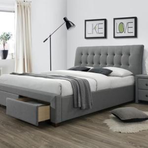 Сиво тапицирано легло с две чекмеджета