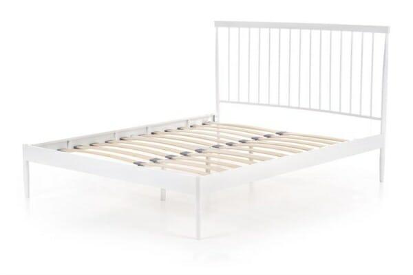Бяло метално легло с дървена подматрачна рамка