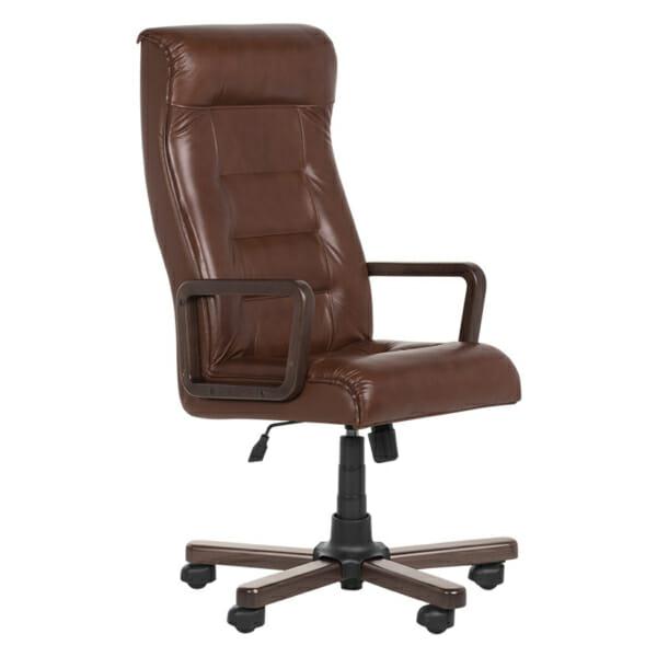 Класически президентски офис стол с висока облегалка - кафяв цвят