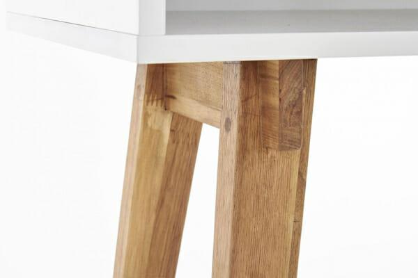 Бяла конзола маса с дървени бежови крака в скандинавски стил - детайл