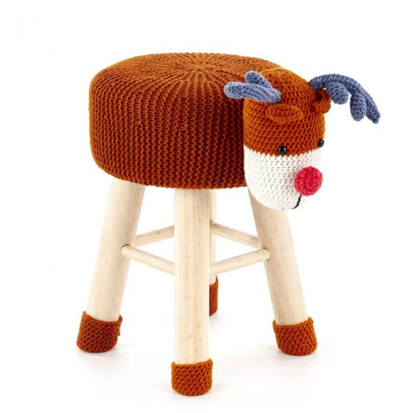 Цветна детска табуретка във формата на елен