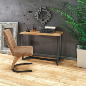 Дървена конзолна маса с черна метална конструкция