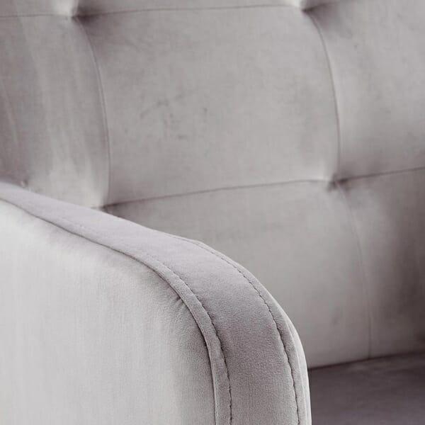 Елегантно кресло от масивно дърво и текстилна дамаска - детайл