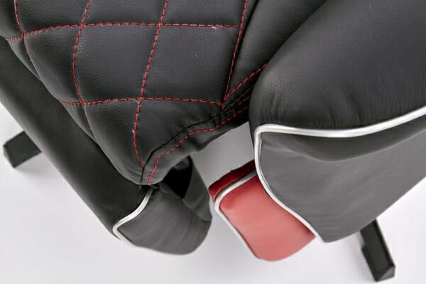 Кожено кресло в черно и червено