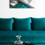 Синьо-зелен диван в офис