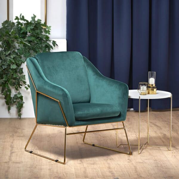 Модерно кресло в тъмнозелено и златно с масичка