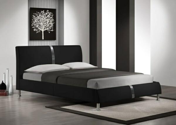 Модерно легло тапицирано в черна еко кожа на крачета