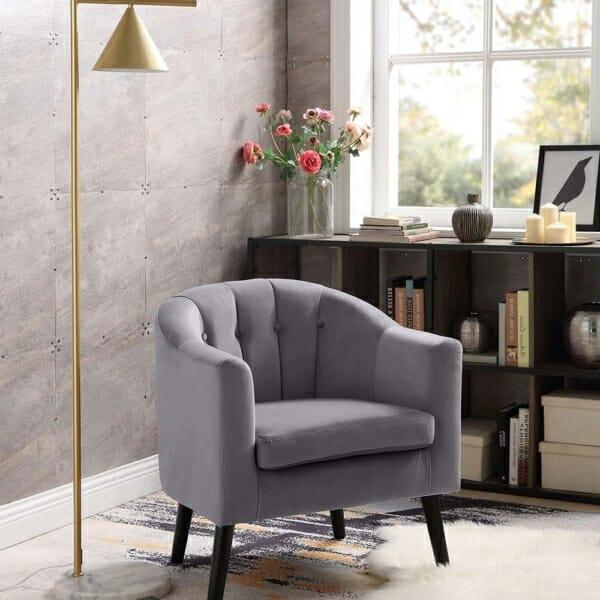 Плюшено кресло с мека седалка и подлакътници - интериор