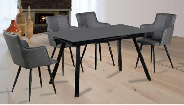 Разтегателна трапезна маса със стъклен плот - столове - в интериор