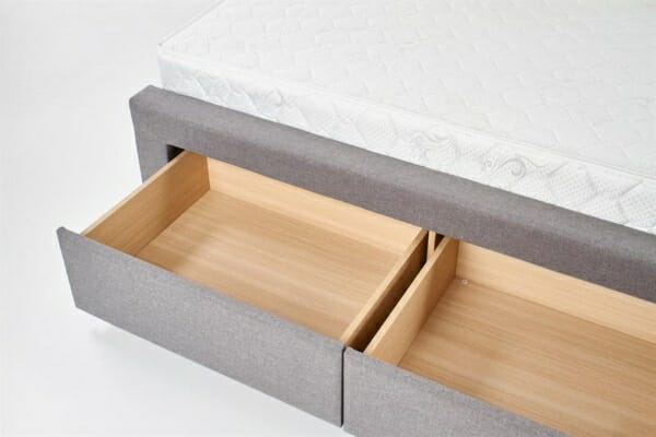 Сиво тапицирано легло с чекмеджета