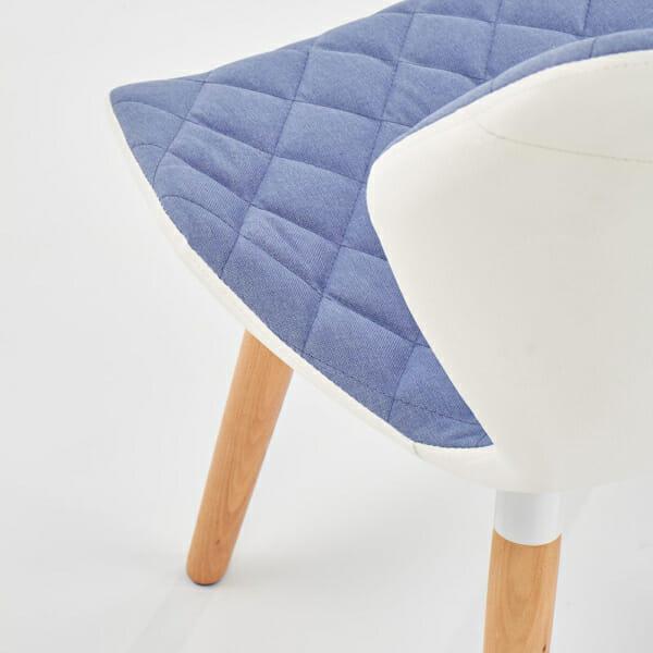 Двуцветен стол от текстил еко кожа и дърво (2 цвята) -светлосин детайл