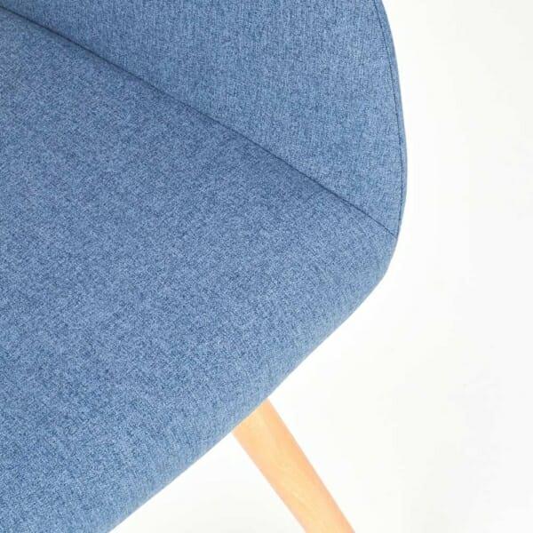Тапициран стол с подлакътници и дървена основа (3 цвята)-син детайл