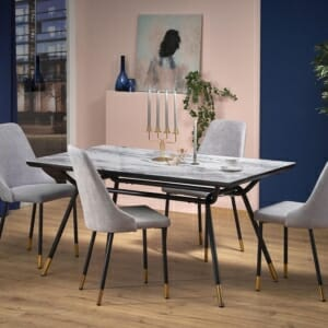 Трапезна маса със стъклен плот имитиращ мрамор