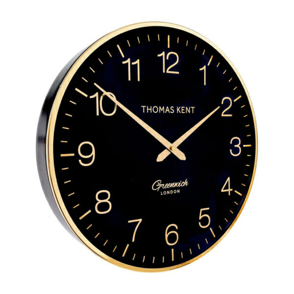 Кръгъл стенен часовник в черно и златисто