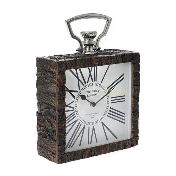 Настолен часовник с рамка от релефно дърво и малка дръжка