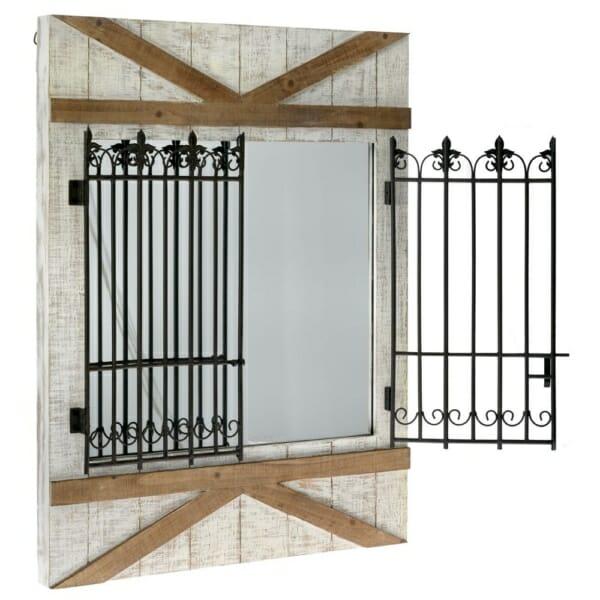 Огледало с дървена рамка и железни орнаментирани решетки