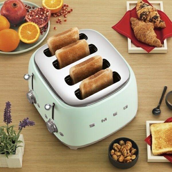 Тостер за 4 филии с ретро дизайн SMEG (7 цвята) - интериор