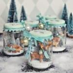 Коледна декорация в бурканче в бяло и тюркоаз
