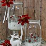 Коледна украса в бяло и червено