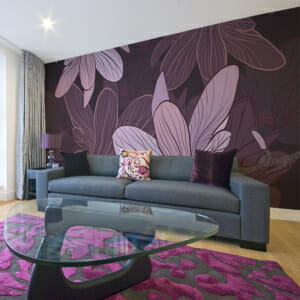 Фототапет XXL в лилаво с абстрактни цветя
