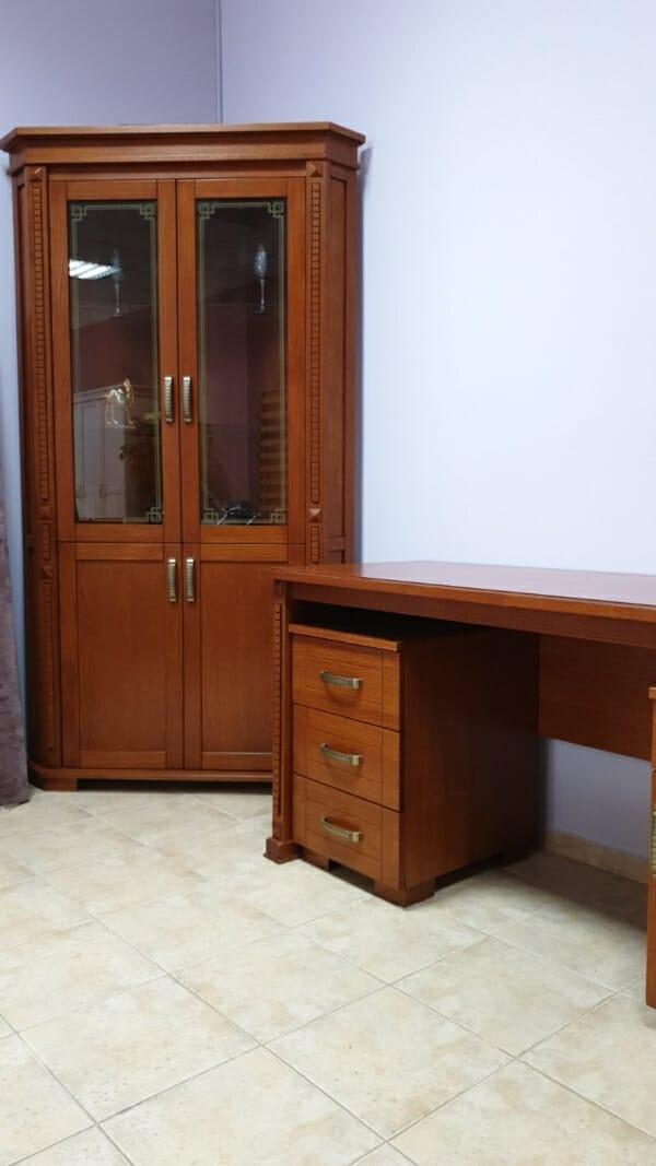 Дървена еглова секция витрина