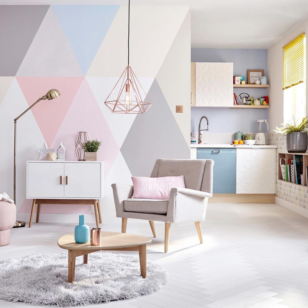 Всекидневна с геометрични елементи, направени с боя за стена