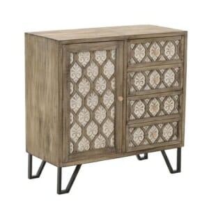 Дървен шкаф в светли тонове с класически мотиви