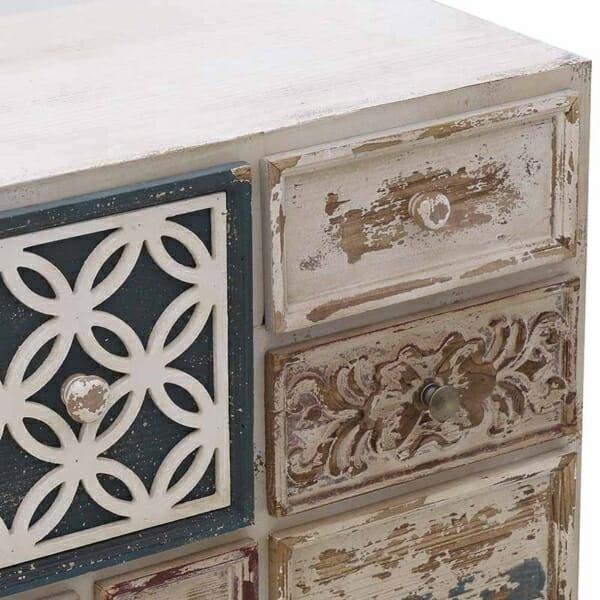 Дървен винтидж шкаф с 13 декорирани чекмеджета - детайл
