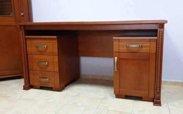 Дървено офис бюро цвят череша