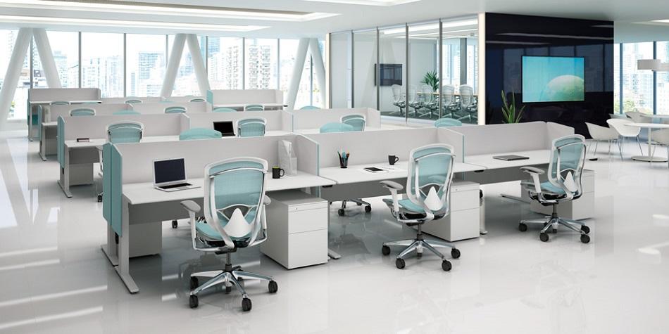 Минималистични офис мебели на изложение Светът на мебелите 2020