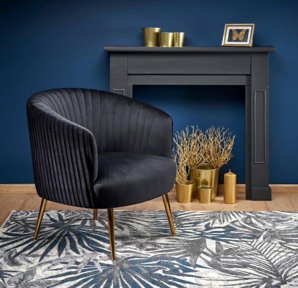 Модерно кресло със златисти крацхета и кадифена дамаска (3 цвята) - интериор