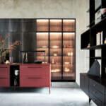 Осветени стъклени витрини в кухнята